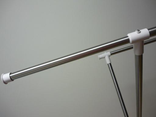 竿は上には伸びませんが、横に少し伸びます
