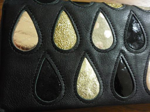 tsumori chisato CARRY(ツモリチサトキャリー)の長財布を購入しました。