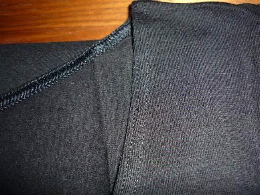 3分袖は下着として・・・・黒を。
